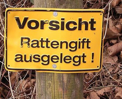 Vorsicht Rattengift ausgelegt. (c) Frank Vincentz - Own work [CC-BY-SA-3.0-migrated] via Wikimedia Commons