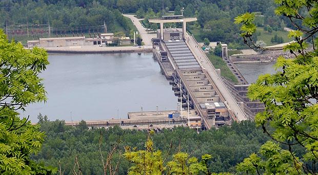 Das Donaukraftwerk Greifenstein ist eines von elf Wasserkraftwerken an der österreichischen Donau. © Bwag/WikimediaCommons
