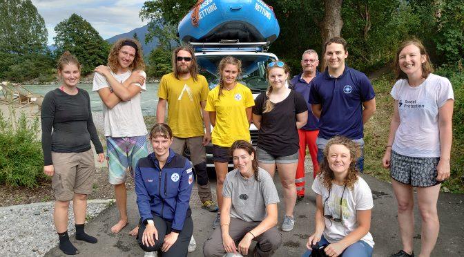 Science Raft am Inn: Forschungsreise im Raftingboot zu den letzten Auwäldern